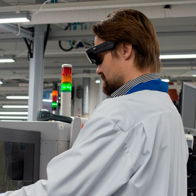 Instructions on smartglasses display